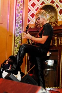 https://www.guitarlessons-atlanta.com/wp-content/uploads/2015/05/jimmy-cypher-electric-guitar-201x300.jpg