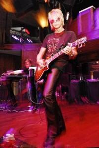 https://www.guitarlessons-atlanta.com/wp-content/uploads/2015/05/live-show-jimmy-cypher-201x300.jpg