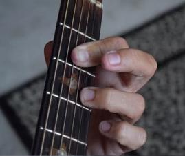 https://www.guitarlessons-atlanta.com/wp-content/uploads/2015/07/guitar-chord.png